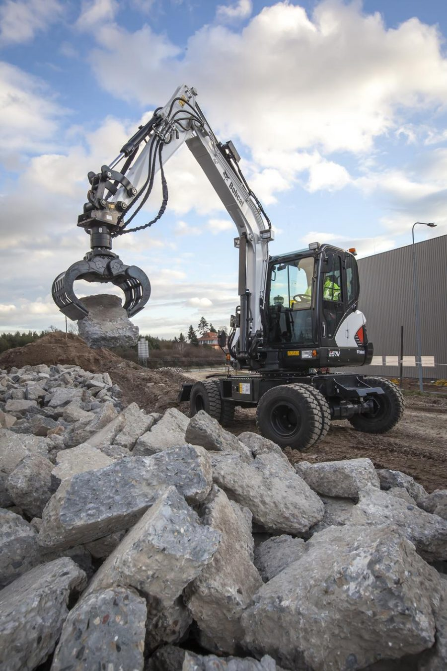 bobcat excavator e57w grading bucket construction