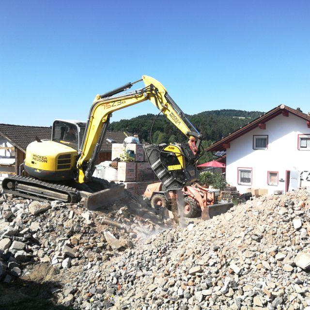 MB Crusher Manufacturer Bucket BF60.1 Demolitions Recycling Quarries Mines Roadworks Tunnels Backhoe Loader Mini Excavator